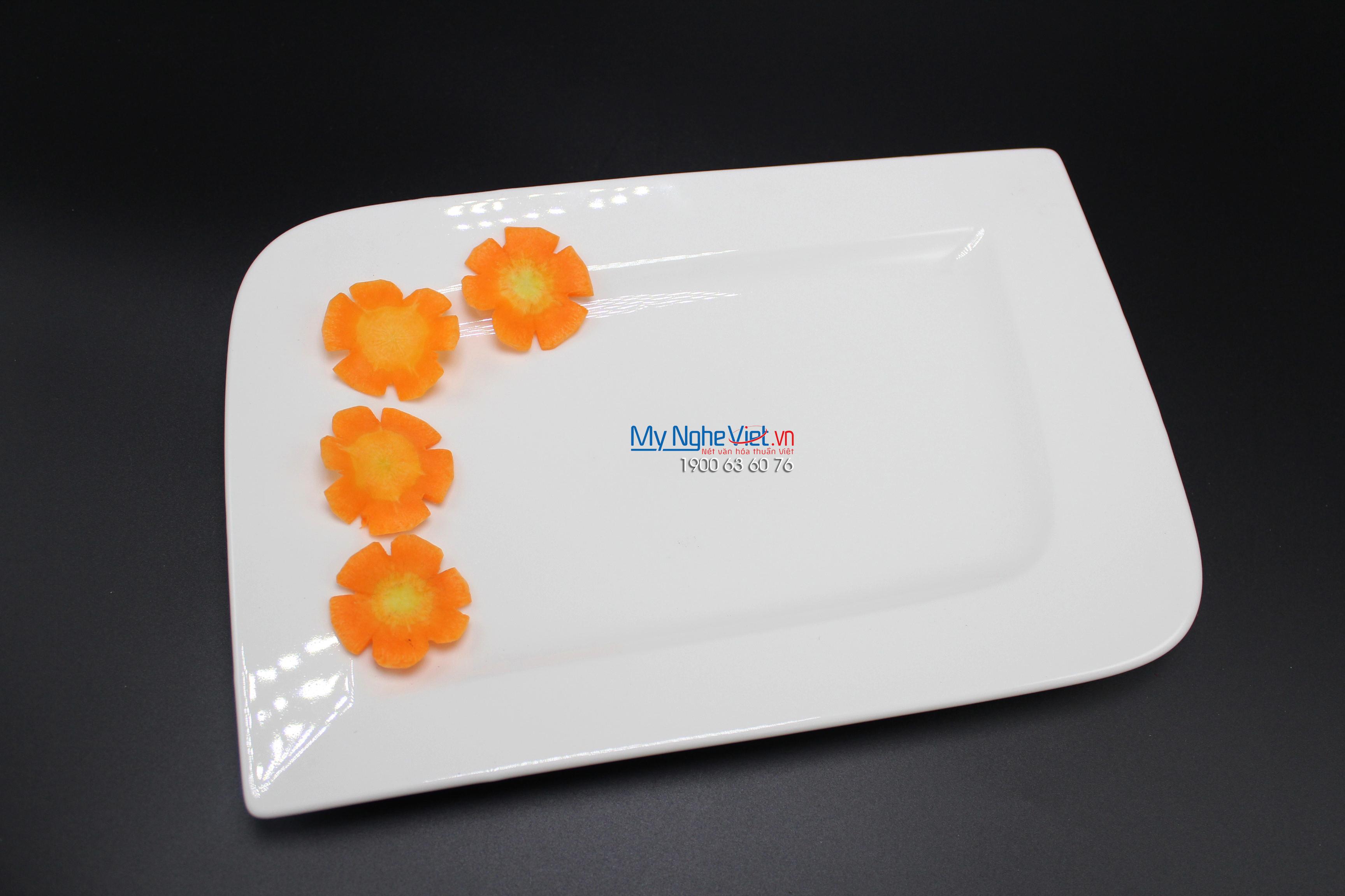 Dĩa chữ nhật dài 25x10.5 cm trắng ngà - MNV - 432518000