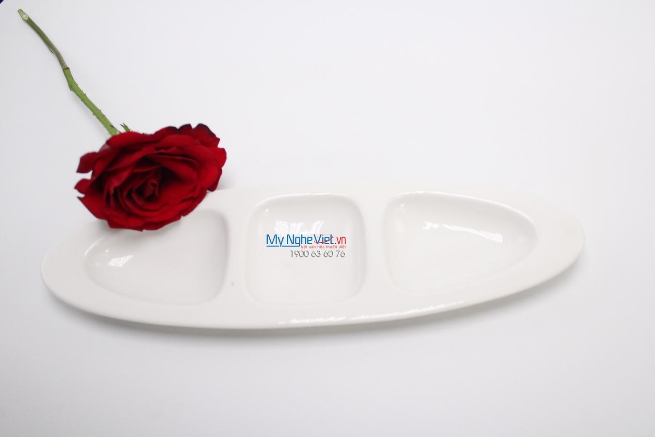 Dĩa oval ba ngăn 28 cm trắng ngà - MNV - 572844000